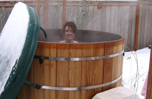 photo of Rena in outdoor soaking tub